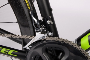 Riveted front derailleur bracket